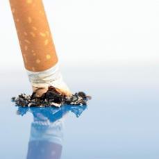 Il padre che aiuta a smettere di fumare