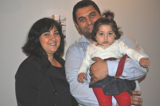 Фатма со сопругот Нешад и ќеркичката Леона
