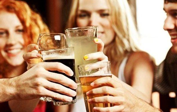 Седум причини зошто жените треба да пијат пиво