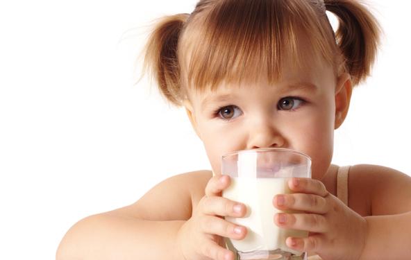 Како да препознаете нетолеранција на млеко