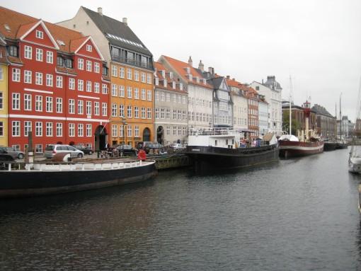 Hiše ob kanalu (2)