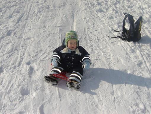 Otroško veselje na snegu