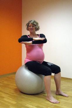 5b: Rotacija trupa sede na žogi