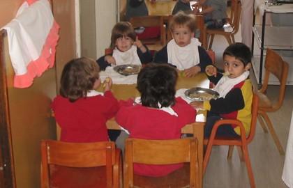 Otroci iz sirotišnice Zvečanska.