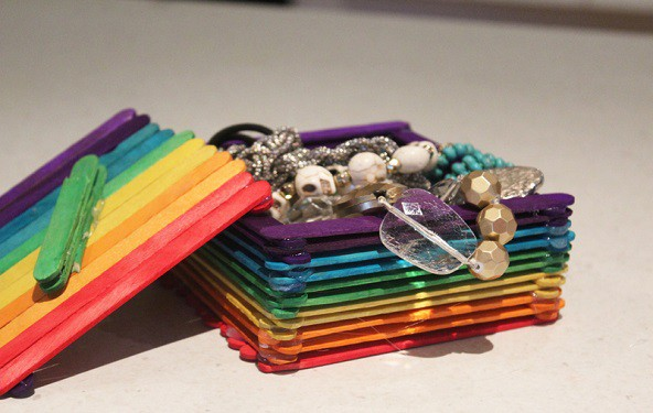 Slika 10: Škatlica za nakit iz sladolednih palčk