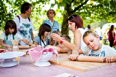 Udeležite se brezplačnih otroških delavnic.