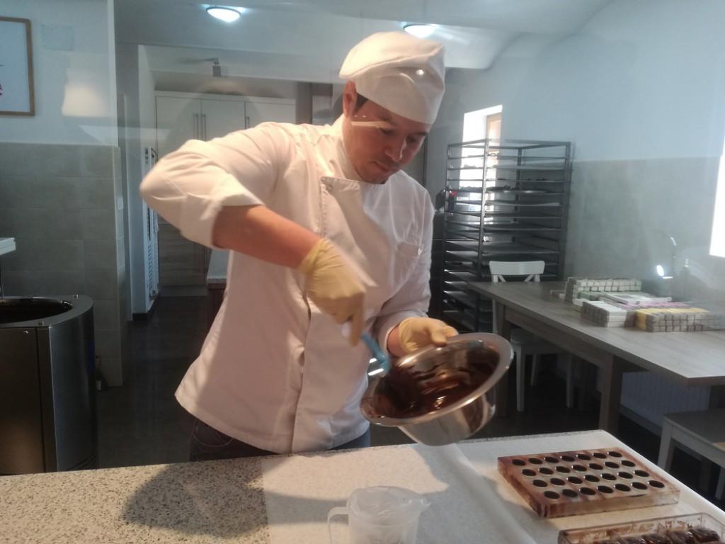 Otroci bodo lahko v živo videli, kako se izdeluje čokolada.