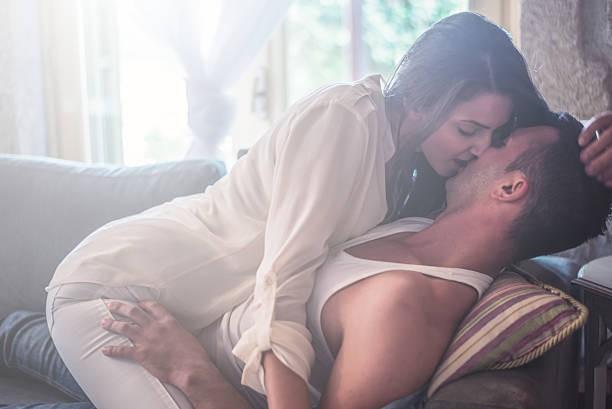 Izkoristita dopust za spontani seks sredi belega dne.