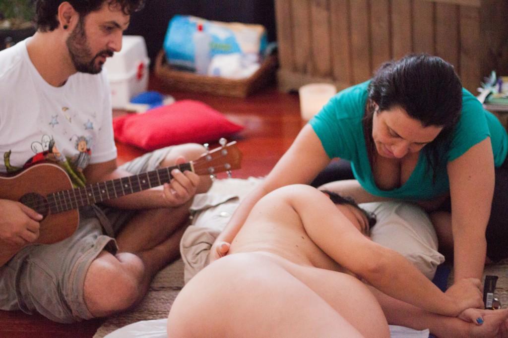 Pri porodu doma ni nič čudno oz. je vse normalno.