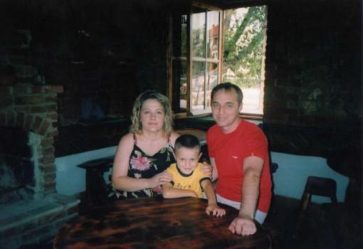 Јован со мама и тато