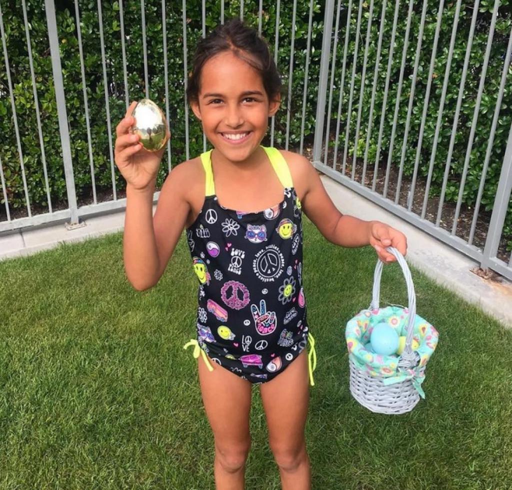 Nariyah je našla zlato velikonočno jajce.
