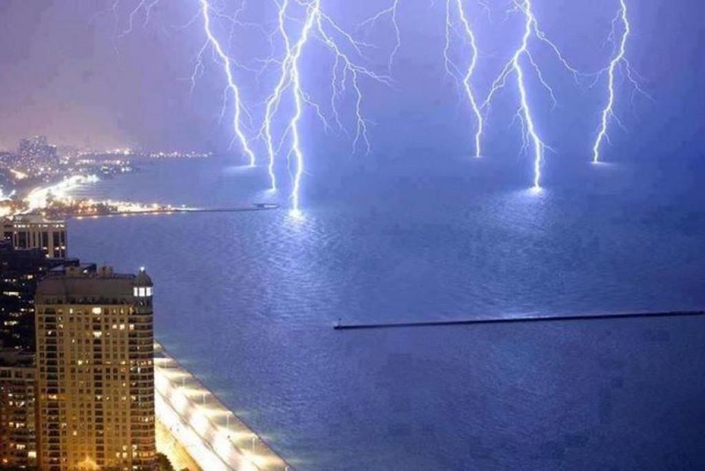 Strele v jezero Michigan (FOTO: moddb.com)