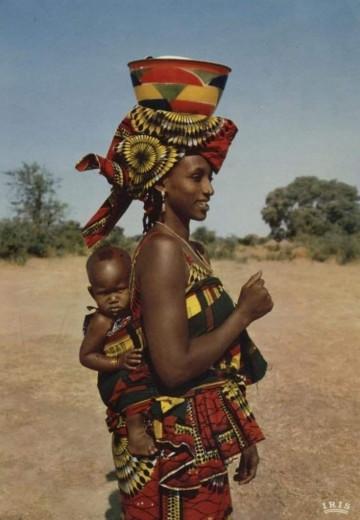 To so čudovite slike mamic iz vsega sveta (FOTO: Facebook: Aakash Shewkani)