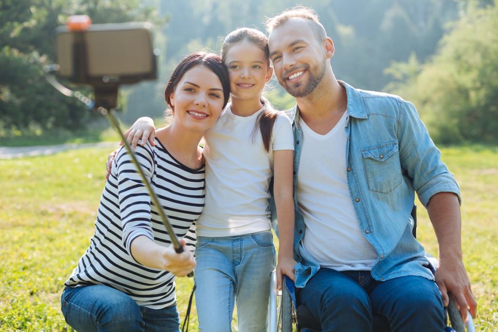Bistvo družine je, ... da družina sprejme vse tvoje šibkosti ter takšne in drugačne primanjkljaje. (Foto: Pexels)