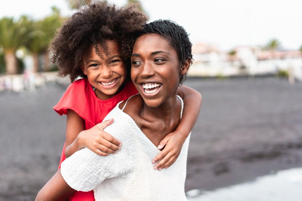 Bistvo družine je, ... da znamo biti srečni tudi v družinah s samo enim staršem. (Foto: Pexels)