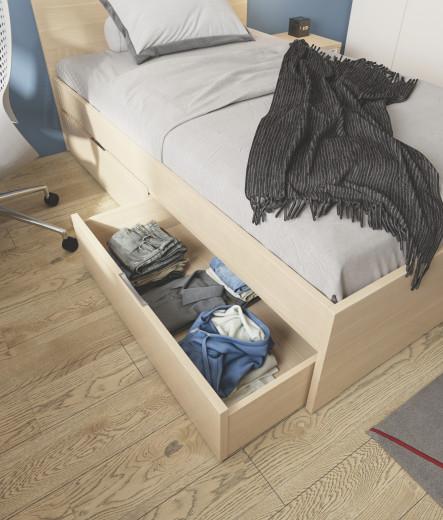 Zelo praktičen predal pod posteljo