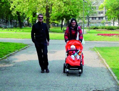 Sprehod z očetom in babico