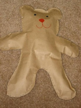 Medvedek iz papirnate vrečke