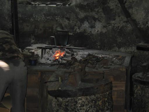 Prikaz ročnega kovanja žebljev