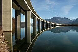 Most čez reko Dravo