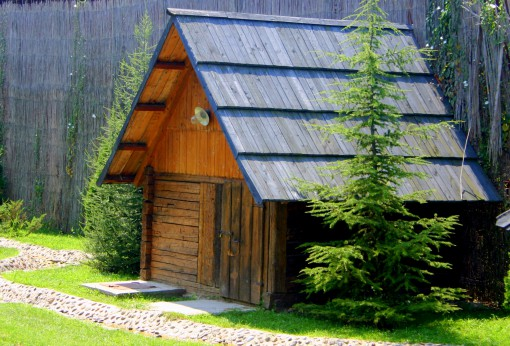 Lesena hišica