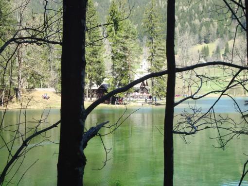 Planšarsko jezero na Jezerskem