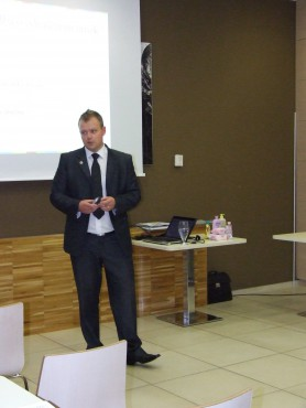 Predavatelj g. Nenad Đukelič