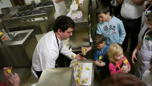 Otrokom je postregel sam chef Borut Jovan.