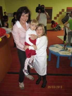Prišla je tudi Lina Kuduzović z družino.