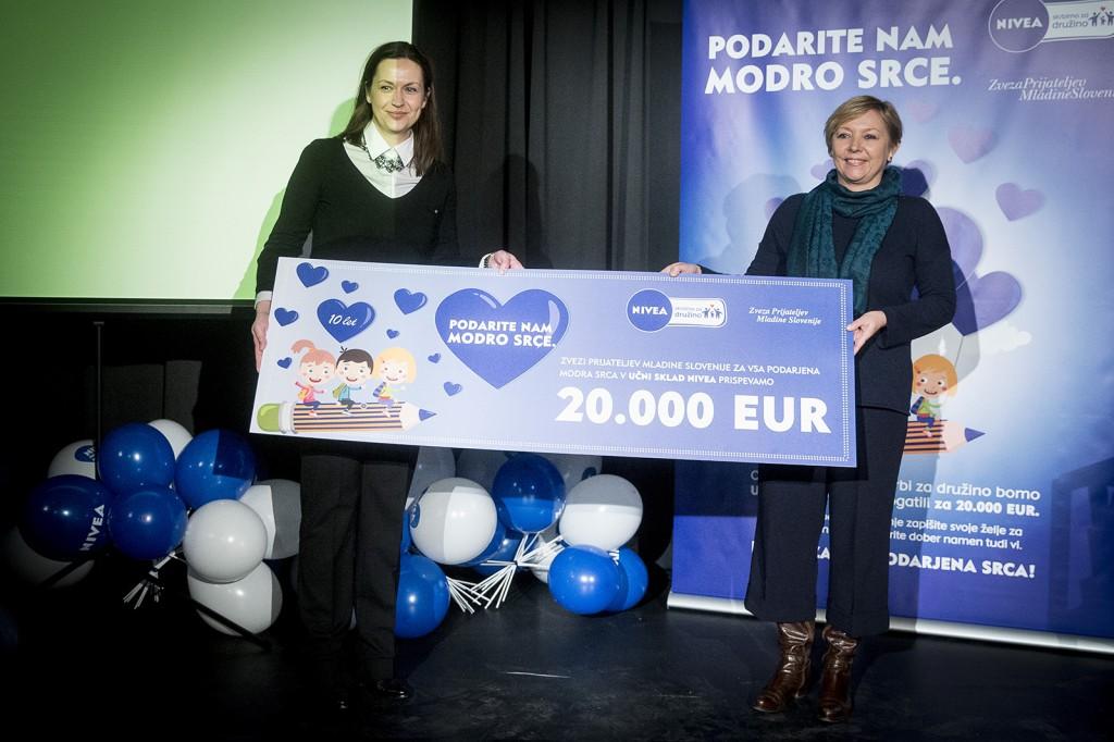 Nela Zadro, regionalna vodja znamke NIVEA in Darja Groznik, ZPMS