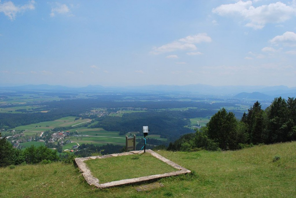 Razgled z vrha (F: vnaravi.si)