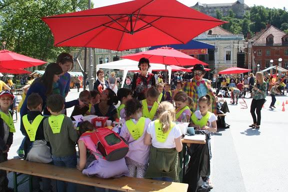 Festival vsako leto obiščejo številni vrtci in šole.