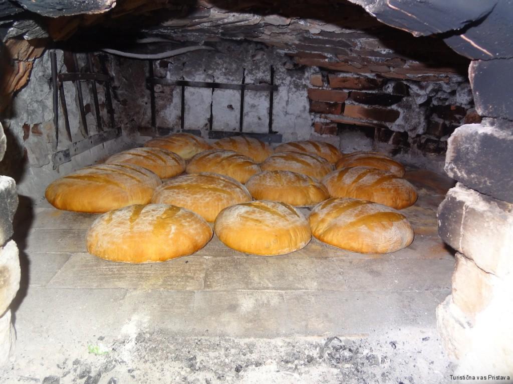 Pr Okornu boste jedli kruh iz krušne peči.