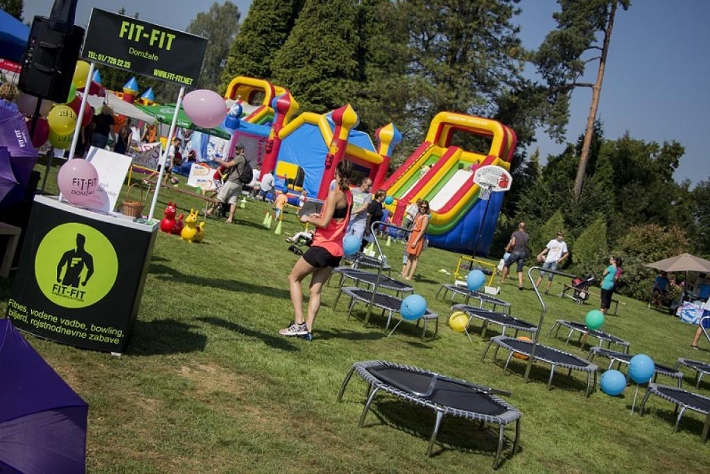 Brez skakanja seveda ni otroške zabave.