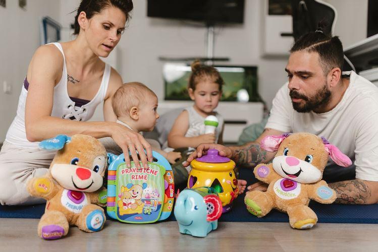 Izbira igrač za mamice in očke