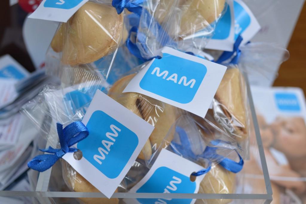 Poklon kolačići sreće sa porukama ljubavi